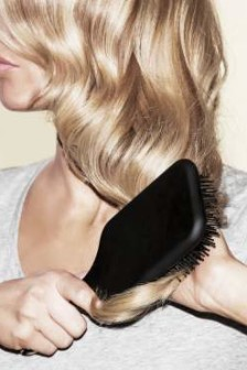 ghd show us how to achieve the perfect pre-party 'glamour wave' for Christmas